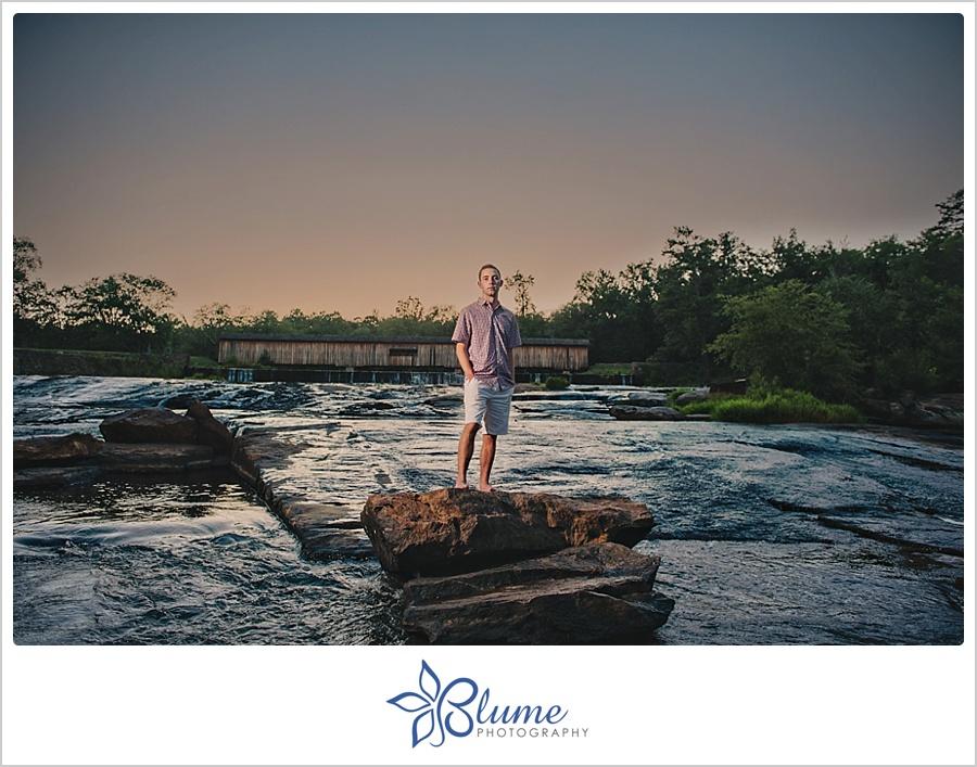 sneak peek senior photo shoot at watson mill bridge