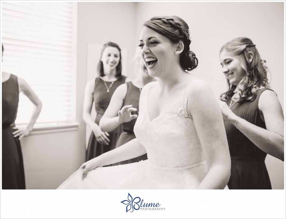 athens first united methodist church,athens fumc,athens ga wedding photographer,athens wedding,athens wedding photography,short wedding dress,thompson house and gardens,